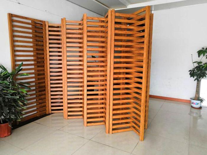 天然木皮铝方通屏风.jpg